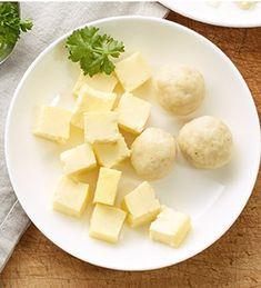 Markklößchen, Eierstich und Gemüse als Suppeneinlage.