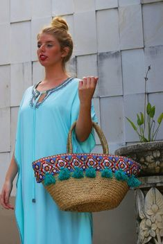 Diy Straw, Straw Bag, Straw Beach Tote, Summer Tote Bags, Crochet Round, Crochet For Beginners, Learn To Crochet, Luxury Bags, Hippie Boho