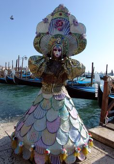 Compare the Venetian Carnival to the one in Cologne