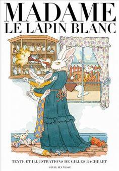 Pourquoi le Lapin Blanc d' Alice au Pays des Merveilles est-il toujours en retard ? Que fait-il en dehors de ses heures de service au palais de la Reine de Coeur ? Est-il marié ? A-t-il des enfants ? A travers le journal de Madame le Lapin Blanc, son