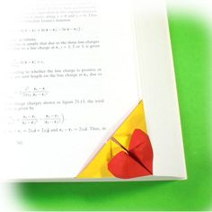 Learn to make and origami heart easily. Nice place to learn unique origami models using paper. 3d Origami Heart, Origami Models, Origami Bookmark, How To Make Origami, Corner, Learning, Collection, Studying, Teaching