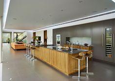 Modern Lodge Two-Tone Kitchen Cabinets Design Villa Moderne, Modern Villa Design, Modern Kitchen Design, Two Tone Kitchen Cabinets, Contemporary Kitchen Cabinets, Open Cabinets, Gray Cabinets, Küchen Design, House Design