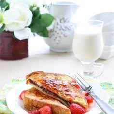 7 romantic breakfast in bed recipes. Romantic Breakfast, Breakfast For A Crowd, Healthy Breakfast Muffins, Romantic Meals, Breakfast For Dinner, Breakfast Bowls, Best Breakfast, Breakfast Recipes, Romantic Recipes