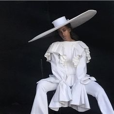 solange for harris reed White Editorial, Editorial Fashion, Florence The Machine, For Elise, Solange Knowles, Facon, White Fashion, Fashion Outfits, Womens Fashion