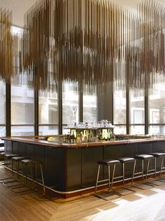 Dans le Seagram Building, le Four Seasons, l'un des plus beaux restaurants de Manhattan, a accueilli de prestigieux clients. Avant qu'il ne ferme ses portes en juillet prochain, AD vous en offre une dernière visite.