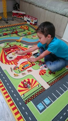Tapis Cirque pour chambre d'enfant. #TapisEnfant #Cirque #TapisCircuit #ChambreCirque #Circus #Tapitom #Pinder Decoration, Kids Rugs, Home Decor, Hobby Lobby Bedroom, Child Room, Circus Show, Play Gym, Decorating, Homemade Home Decor