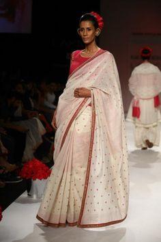 soumita mondal lfw 2013 white pink sari