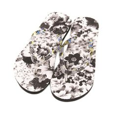 Women's Flowers Sandals. Toepost Flip Flops Slippers Beach Shoes  Brand Name: JAYCOSIN Upper Material: Nylon Insole Material: EVA Pattern Type: Floral Outsole Material: EVA Model Number: Slipper Season: Summer Applicable Place: Outside Lining Material: Nylon Fit: Fits true to size, take your normal size Fashion Element: Shallow With Platforms: No Heel Height: Low (1cm-3cm) Heel Type: Flat with Shoes Type: Flip Flops Department Name: Adult Item Type: Slippers