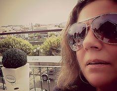 O meu sonho/desejo de uma vida plena, associado à minha intenção de mudança, levou-me a prestar atenção às minhas circunstâncias no presente, a aceitá-las e as oportunidades de realização foram surgindo... https://www.facebook.com/pages/Blogue-de-Isabel-Maria-Guedes-Negr%C3%A3o/616452358461782