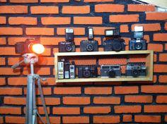 #camera #kamera #photo #classic #klasik #vintage #old #jadul #antik #collection #canon #nikon #ricoh #minolta #fujica #modern #national #popular #stanley #valet #rack #tripod #brickwall #diy #decoration #homedecor #indonesia