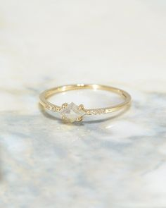 The Salt + Pepper Kite Ring – Après Jewelry Small Wedding Rings, Gold Wedding Rings, Hippie Wedding Ring, Small Rings, Minimalist Wedding Rings, Simple Wedding Bands, Dream Wedding, Small Engagement Rings, Minimalistic Engagement Ring