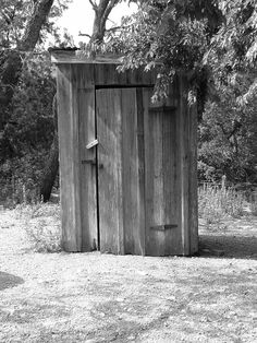 old farm pictures | Old Arkansas Outhouse | Rustic Images | Foundmyself