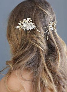Floral swag bridal headpiece, twigs and honey, bridal headband Formal Hairstyles, Wedding Hairstyles, Charms Swarovski, Yosemite Wedding, Wedding Hair And Makeup, Bridal Hair, Flower Headpiece, Alternative Wedding, Bridal Headpieces