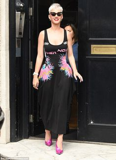 dazle! Katy Perry pulled off another dazzling outfit when she left the Kiss Radio Station in London on Friday following a busy day promoting her new album Witness