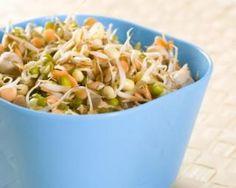 Salade pimentée à la dinde, champignons et aux pousses de soja
