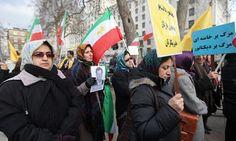 """يؤكد النشطاء الإيرانيون في الخارج أن """"الحركة الخضراء"""" ما زالت قوة لم تتبدد وأن الصراع ما زال مستمرا في إيران وإن كان من خلال صناديق الاقتراع وليس الاحتجاج الحاشد الذي حدث في 2009 وأثار …"""