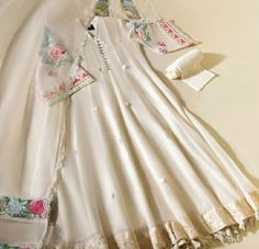 Fancy Dress Design, Stylish Dress Designs, Designs For Dresses, Frock Design, Stylish Dresses, Beautiful Pakistani Dresses, Pakistani Dresses Casual, Pakistani Dress Design, Designer Party Wear Dresses