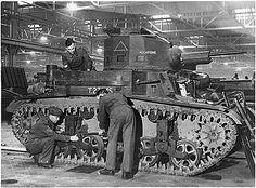 M2-tank-england.gif