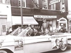 Sen. John F. Kennedy waved to the crowd as his presidential campaign parade moved along Main Street in Lexington on Oct. 8, 1960. Kentucky Gov. Bert T. Combs was in the back seat with Kennedy. Joe Mellen drove the car, which was heading for a rally at the University of Kentucky. HERALD-LEADER  Buy Photo   http://www.kentucky.com/2013/11/20/2943674/tom-eblen-remembering-kennedys.html#storylink=cpy  ♥❃❋✽✾❀❃ ♥    http://en.wikipedia.org/wiki/United_States_presidential_election,_1960