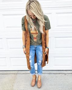 65 Ideas Country Concert Outfit Winter Look so Awesome - trend viral ideas Concert Outfit Winter, Country Concert Outfit, Cowgirl Outfits, Western Outfits, Fall Country Outfits, Girls Western Wear, Casual Outfits, Cute Outfits, Fashion Outfits
