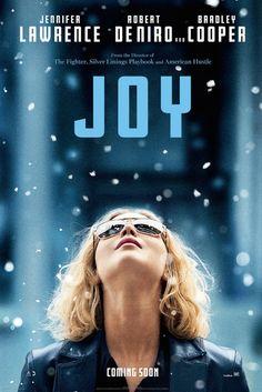 Dopo il trailer, ecco che arriva online il primo poster ufficiale di #Joy, la nuova e terza collaborazione cinematografica fra Jennifer Lawrence e David O. Russell dopo Il lato postitivo e American Hustle.