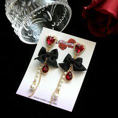 Tiffani Roolia Cute Jewelry, Jewelry Accessories, Women Jewelry, Fashion Jewelry, Korean Earrings, Bead Earrings, Beautiful Earrings, Silver Necklaces, Indian Jewelry