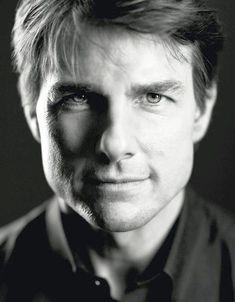 Portrait photography of Tom Cruise. Tom Cruise, Shia Labeouf, Hollywood Actor, Hollywood Stars, Logan Lerman, Celebrity Photography, Portrait Photography, Amanda Seyfried, Tom Payne