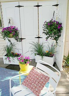 handgemachte Möbel und Dekorationen aus alten Türen stuhl pflanzen idee