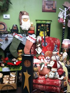 Rosi's Cottage Treasures carries a wide variety of unique Christmas items. Located at 434 South Main St North Syracuse NY 13212. Can be reached at rprocopio245@gmail.com or call 315-458-8020.
