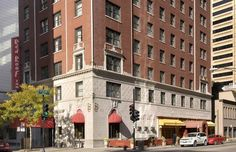 Cheap, Discount Pet Friendly Hotel in Chicago near Michigan Ave. | Red Roof Inn Magnificent Mile