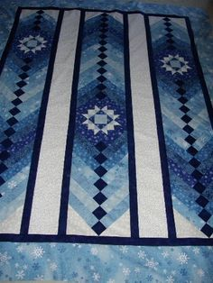 French braid with star blocks - good idea for snowflake quilt. Strip Quilts, Blue Quilts, White Quilts, Colorful Quilts, Star Blocks, Quilt Blocks, Quilting Projects, Quilting Designs, Quilting Ideas