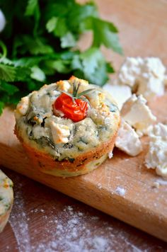 spinachspinach muffins - foodaffair.at Spinach Muffins, Baked Potato, Camembert Cheese, Favorite Recipes, Ethnic Recipes, Blog, Blogging, Baked Potatoes, Oven Potatoes