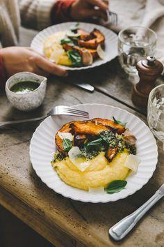 Pesto, Polenta Crémeuse, Veggie Recipes, Healthy Recipes, Plat Vegan, Strawberries And Cream, Risotto, Meal Planning, Good Food