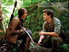 Katniss en Gale kennen elkaar al van vroeger. Ze gaan altijd jagen voor eten voor hun gezin. Toen Katniss hem voor het eerst had ontmoet, fluisterde Katniss zo zacht haar naam tegen Gale dat hij Catnip verstond, kattenkruid. Vanaf toen is de bijnaam van Katniss Catnip.
