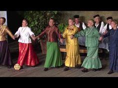 «Τέσσερα μάτια, δυο καρδιές», Νέα Αρτάκη Ευβοίας (Χοροστάσι 2016) - YouTube Greek Music, Folk Dance, Sari, Youtube, Clothes, Fashion, Traditional, Greece, Musik
