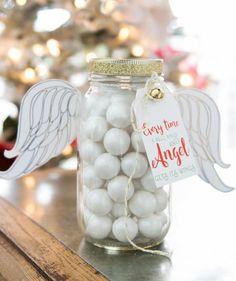 Christmas Angel Mason Jar | Find the best craft ideas for how to decorate mason jars, for Christmas gifts that everyone on your list will love.