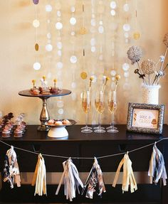 Metallic Hot Cocoa Bar {with FREE Printables!} + Sparkly DIY Drink & Dessert Topper Ideas