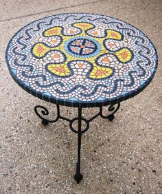 שמחה - שולחן, פסיפס אבן, תיק עבודות פסיפס - פסיפסים, מוזאיקה - אומנות שלובים ביצירה. תיקי עבודות אמנים ישראלים - אמנות ישראלית