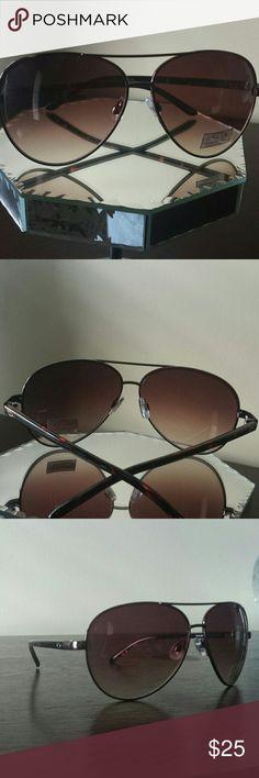 BRONZ  SUNGLASSES Bronze Aviator /Tortoise Sunglasses Oscar de la Renta Accessories Sunglasses