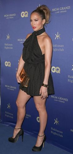 Jennifer Lopez se presentó junto a su novio Casper Smart a una conocida discoteca en Las Vegas.