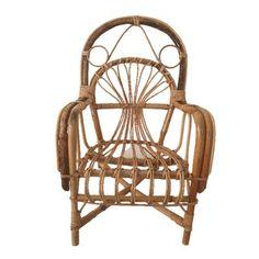 Super mooi stoeltje. In goede stevige staat. Het bamboe is op een paar plekjes versleten. Jaren 60. Afmetingen 62 hoog 37 diep 33 breed