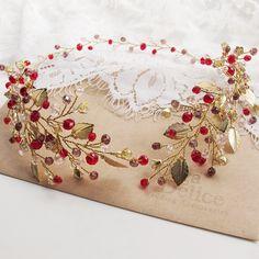 189 отметок «Нравится», 7 комментариев — Свадебные Украшения (@olgadelice) в Instagram: «Осенний веночек для невесты Оксаны))) #olgadelice #olgadelice_custom_made»