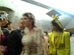 Yellow dress in duchesse di seta.