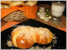 mucenici moldovenesti Dessert Recipes, Desserts, Sweets, Cheese, Baking, Ethnic Recipes, Breads, Food, Projects