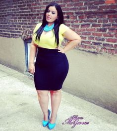Love the outfit,  the colors and a women with curves :)