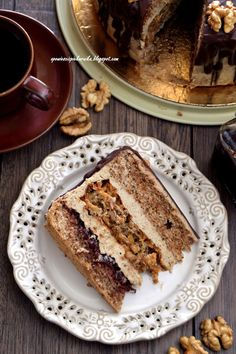 Tales from the oven: Coffee nut cake- Opowieści z piekarnika: Tort orzechowo – kawowy Tales from the oven: Coffee nut cake - Cookie Desserts, No Bake Desserts, Just Desserts, Vegan Desserts, Delicious Desserts, Baking Recipes, Cake Recipes, Russian Cakes, Catering Food
