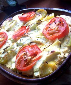 Római tálban sütött pulykahúsos rakott tök Cook Books, Limoncello, Hawaiian Pizza, Hot Dog, Hamburger, Meals, Cooking, Recipes, Food
