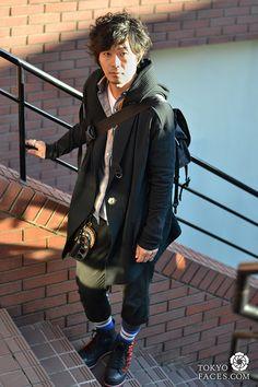 [Deadman Walking!] Model Name: Seitaro, a fashio designer, Coat: MUZEAll, Other outfits: DEADMAN, Socks & Shoes: DEADMAN Bag: DEADMAN. Web Site: http://showroom.oc-x.jp/deadman/ #Meninstyle #AutumnMen2012