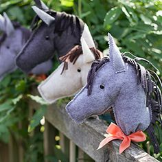 Make a felt pony for a child in your life. This adorable design is so simple and includes a printable pattern and step-by-step tutorial to make these DIY stick horses!