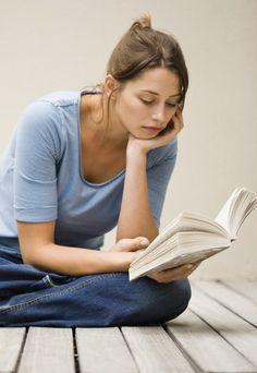 20 Bücher, die man gelesen haben muss - Irgendwie machen sie einem immer ein kleines schlechtes Gewissen, die Listen mit Büchern, die man in seinem Leben gelesen haben sollte. Interessant sind sie aber auch immer...
